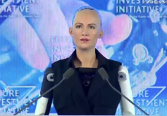 """机器人""""索菲亚""""之父预测,人类2045年可与机器人结婚"""