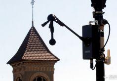 巴黎交警开测噪音罚单 大城市都需要它!