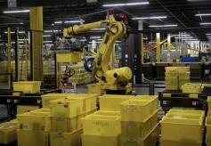 亚马逊在物流中心测试自动打包机:1机可顶24人