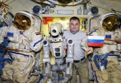 俄罗斯太空机器人费多尔心灵手巧?尽管有创意但别被太空实验骗了