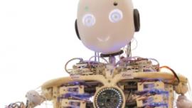 """进博会展品抢先看 人形机器人""""Roboy""""会笑会闹"""